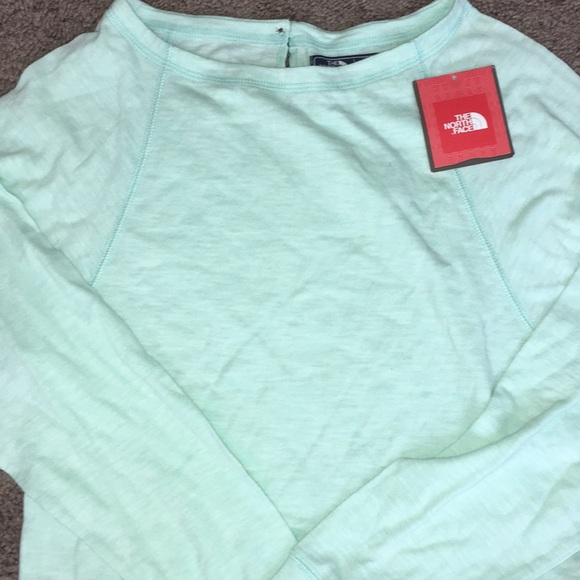 5d5ee86c1c7 North Face mint long sleeve NWT